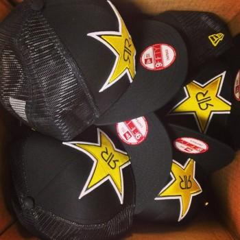 rockstar energy casquette 350x350 - Concours Couche-Tard: Gagnez une des 7 casquettes Rockstar Energy