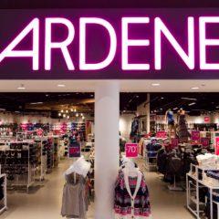 ardene magasin 240x240 - Participez et gagnez une séance de magasinage chez ARDENE